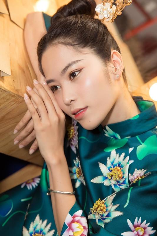 Viet Huong khoe anh hanh phuc ben ong xa va con gai-Hinh-11