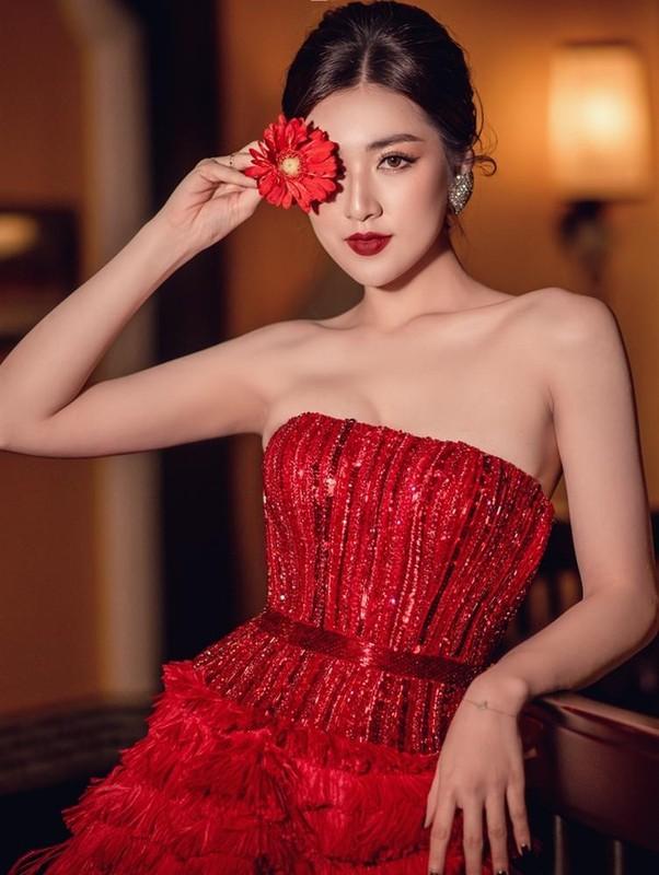 Cao 1m55, Hoa Minzy van