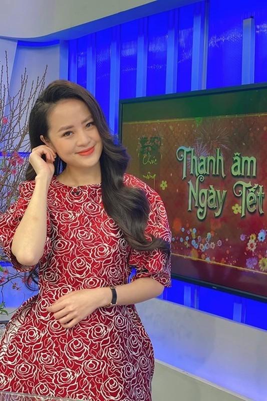 Nhan sac BTV Ngoc Bich vua len song Thoi su 19h VTV-Hinh-3