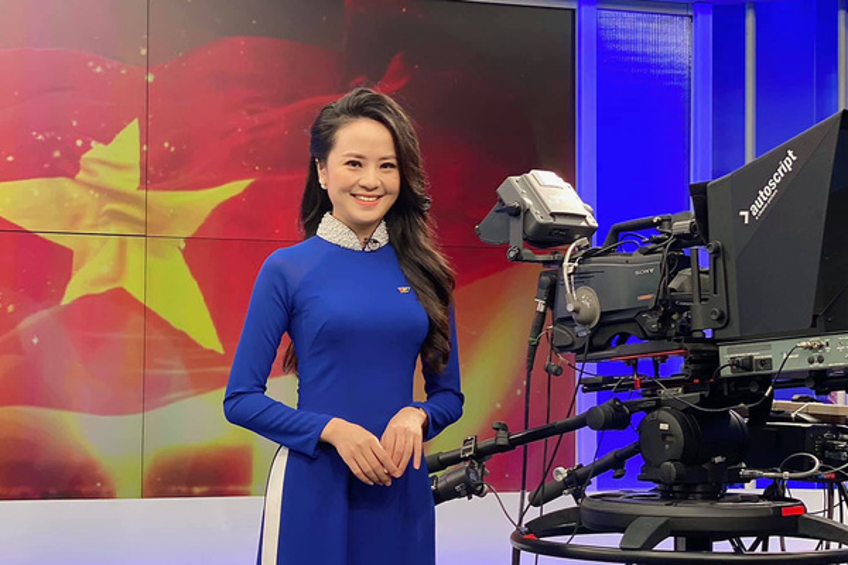 Nhan sac BTV Ngoc Bich vua len song Thoi su 19h VTV-Hinh-6