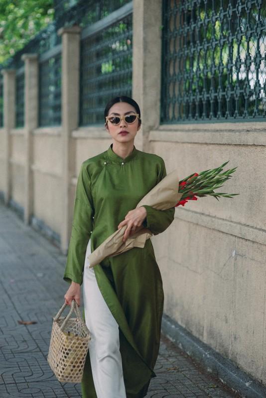 Chup anh cung Xuan Hinh, Chi Trung nhin ban gai dam duoi-Hinh-11