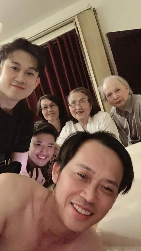 Hoang Thuy Linh tung anh goi cam dot mat voi vai tran, eo thon-Hinh-4