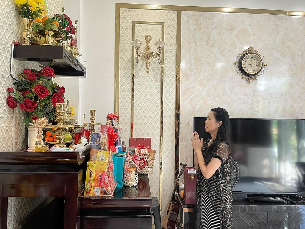 Hoang Thuy Linh tung anh goi cam dot mat voi vai tran, eo thon-Hinh-6