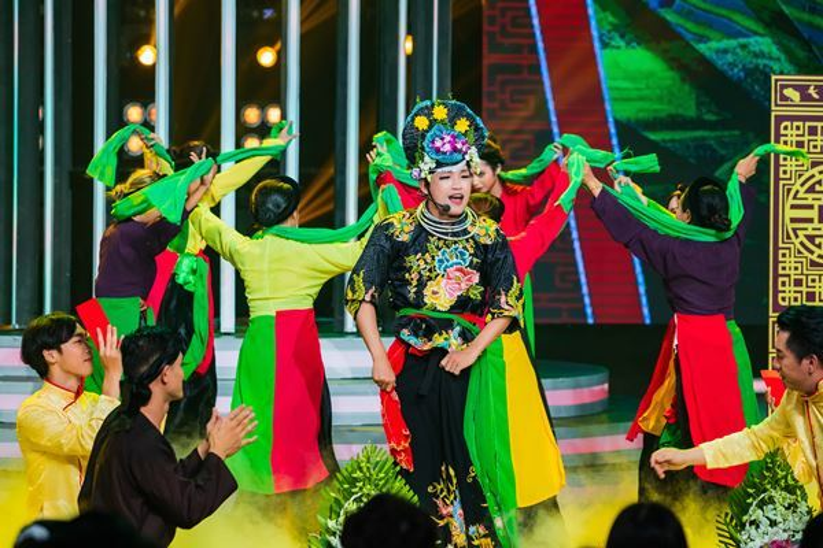 Pham Lich hoa Thu Minh, dang quang Guong mat than quen 2020-Hinh-10