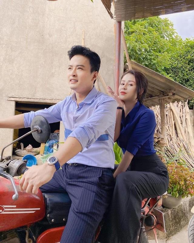 Luong Thu Trang khoe anh ben Hong Dang