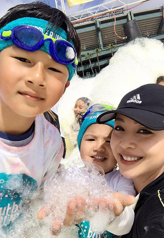 Con trai cua Quang Dung - Jennifer Pham cao 1m72, chung chac o tuoi 13-Hinh-12