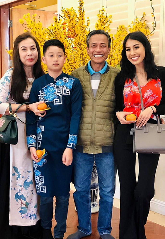 Con trai cua Quang Dung - Jennifer Pham cao 1m72, chung chac o tuoi 13-Hinh-4