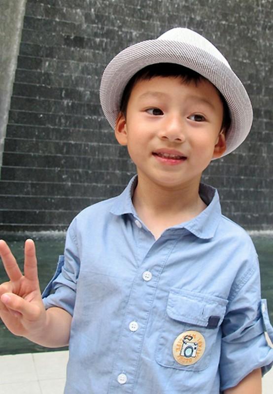 Con trai cua Quang Dung - Jennifer Pham cao 1m72, chung chac o tuoi 13-Hinh-6