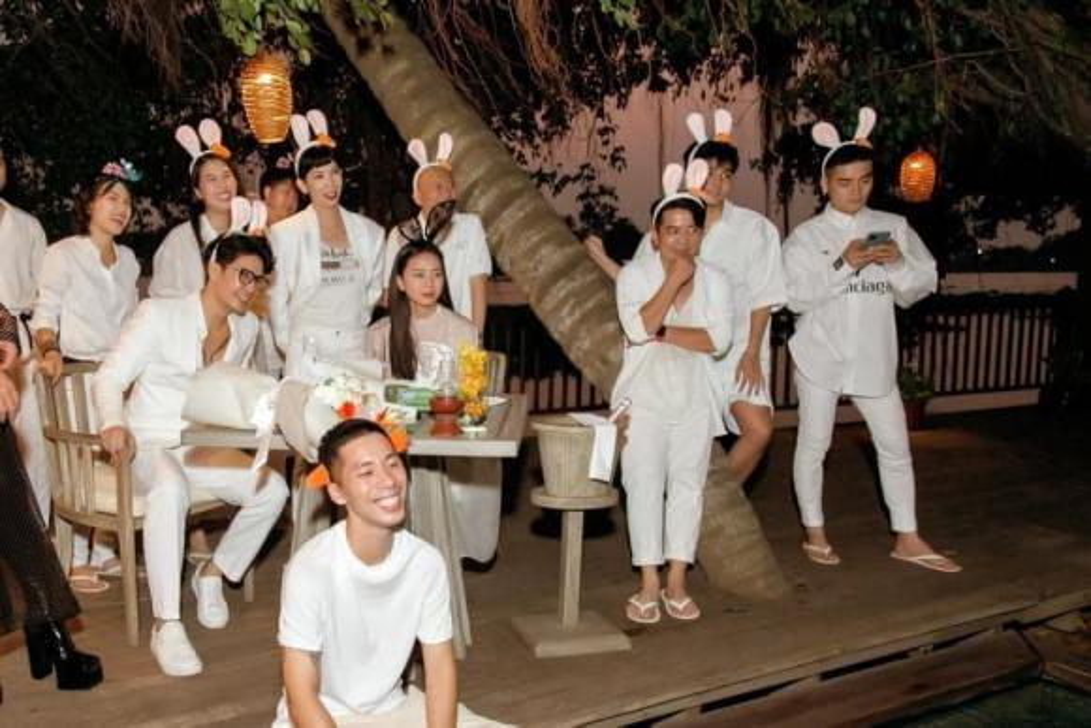 Ngo Thanh Van deo nhan o ngon ap ut, nghi Huy Tran cau hon-Hinh-8
