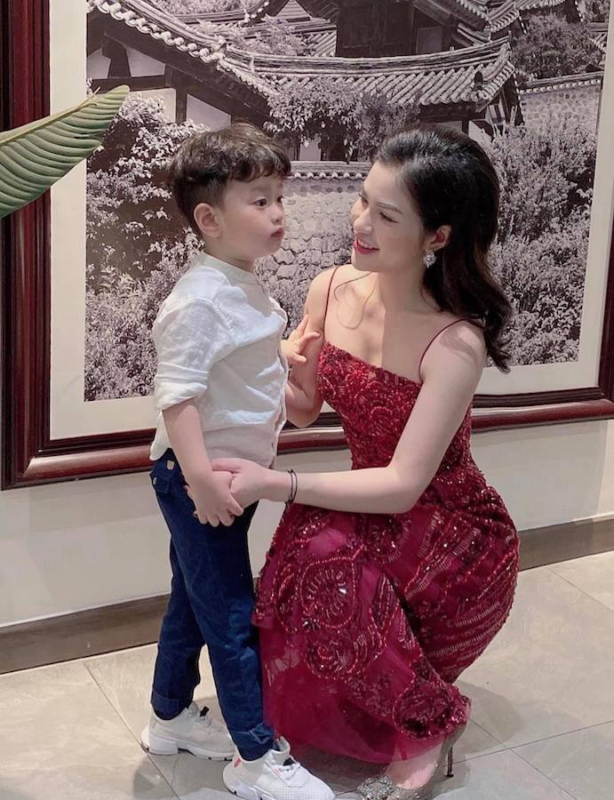 Viet Anh va vo cu hoi ngo mung sinh nhat con trai 5 tuoi-Hinh-2