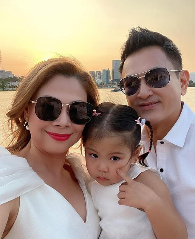 MC Thao Van khoe con trai 16 tuoi phong phao cao 1m70-Hinh-10