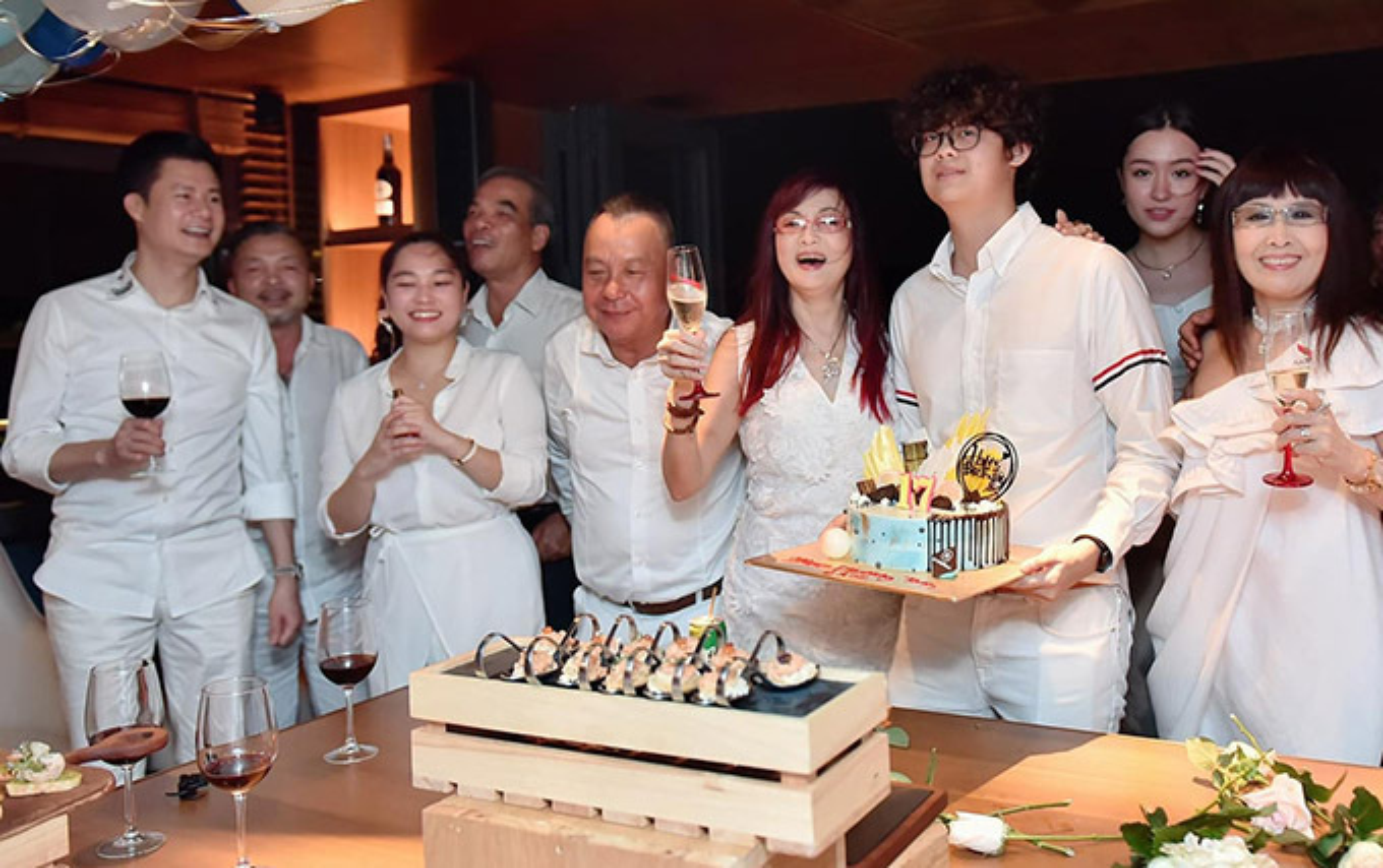 MC Thao Van khoe con trai 16 tuoi phong phao cao 1m70-Hinh-9