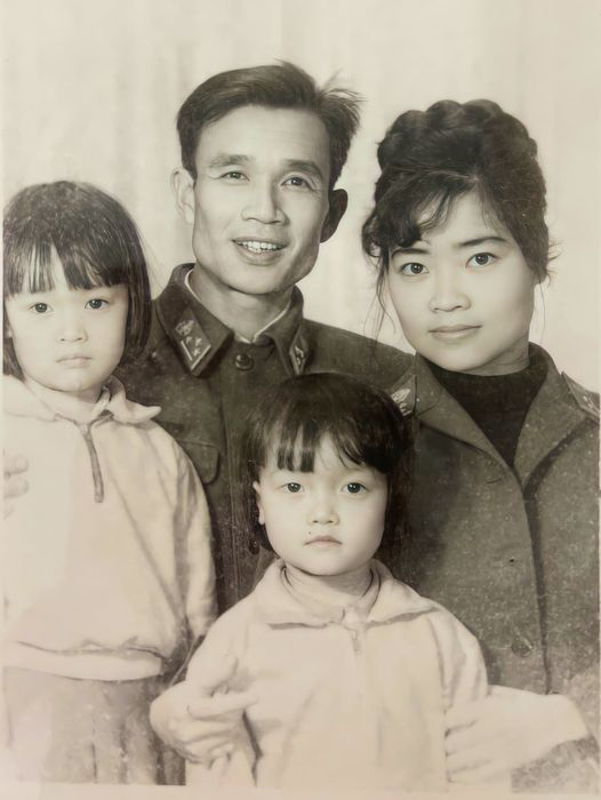 BTV Quang Minh vui ve tham Hoi An cung vo va 4 con trai-Hinh-4