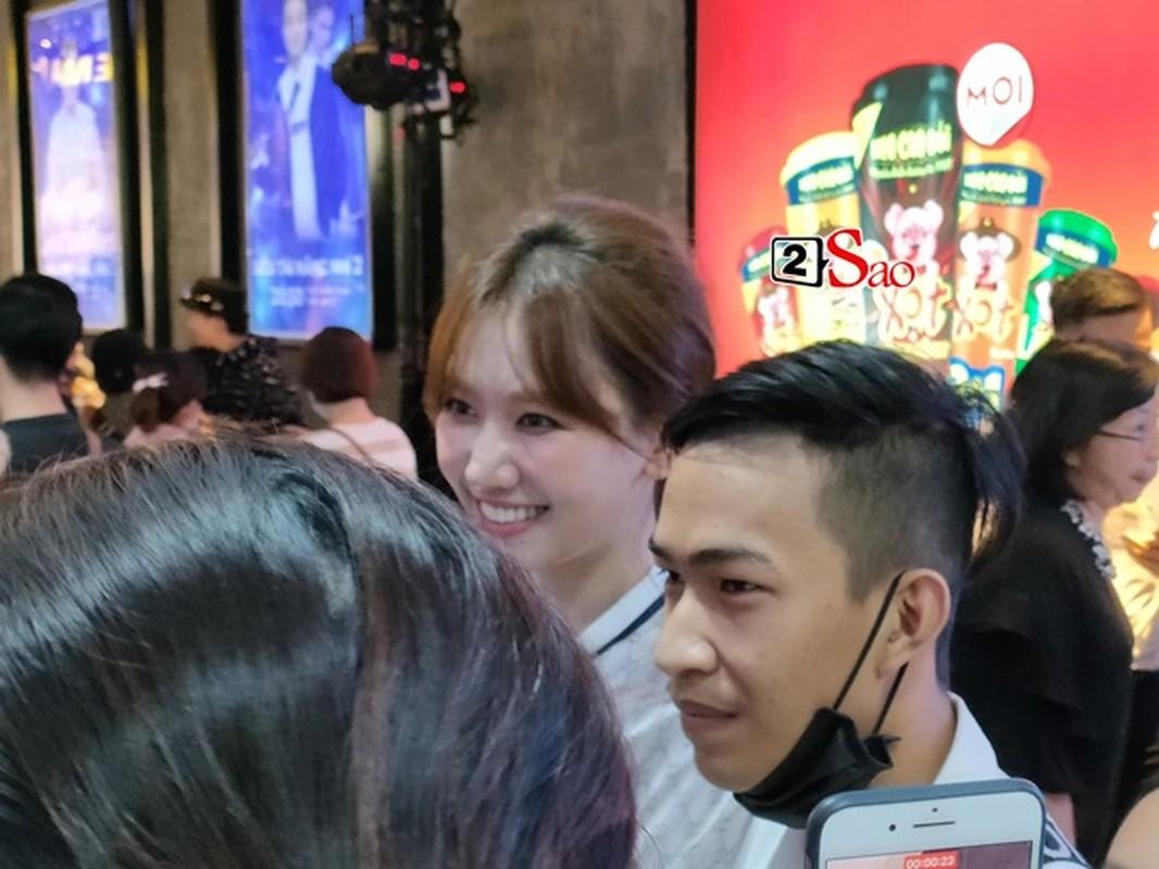 "Nhan sac that Hari Won qua camera thuong: Co xung ""khong tuoi""?-Hinh-11"