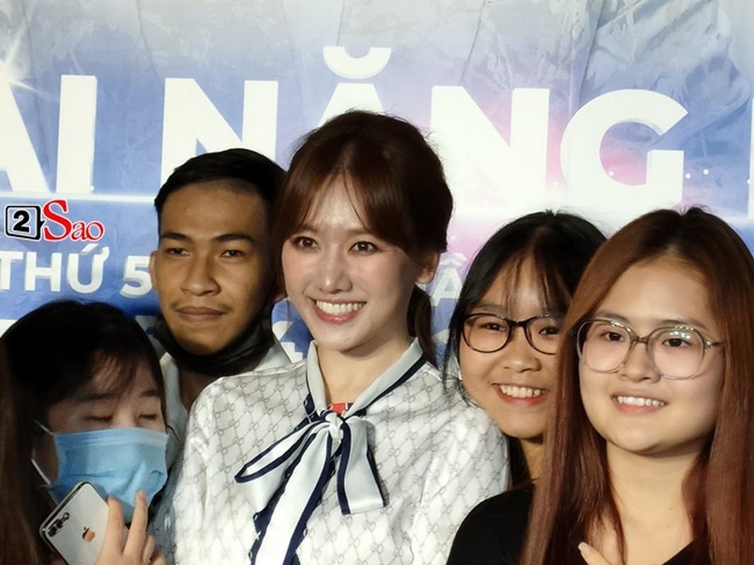 "Nhan sac that Hari Won qua camera thuong: Co xung ""khong tuoi""?-Hinh-9"