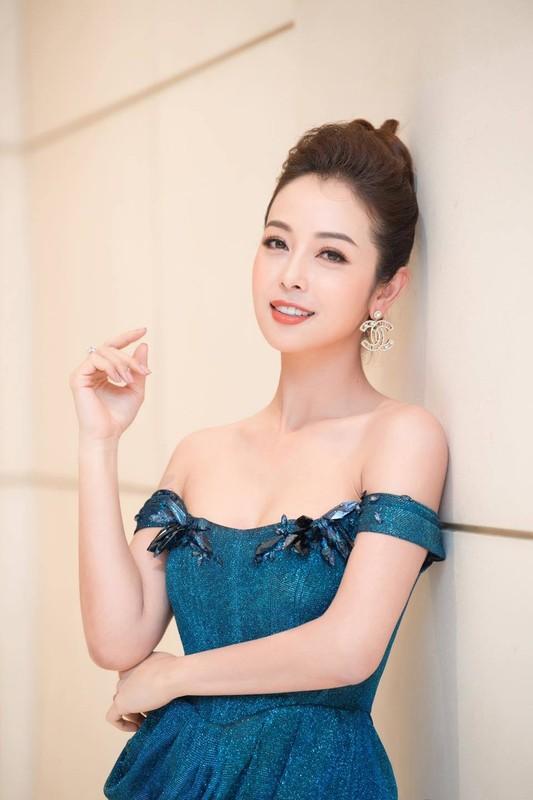 """""""Hoa hau bon con"""" Jennifer Pham xinh dep o tuoi 36"""