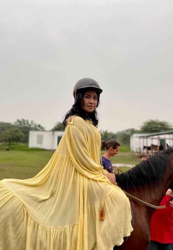 Diva Thanh Lam tan huong hanh phuc ben ban trai bac si
