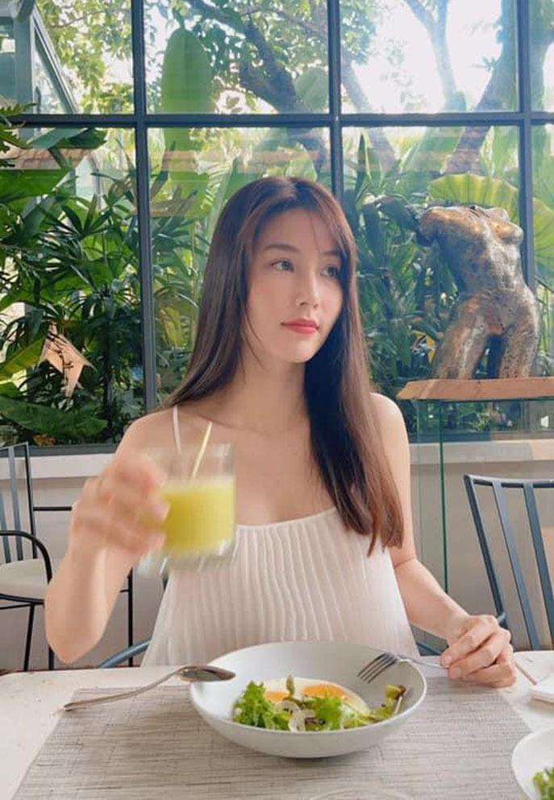 Ho Ngoc Ha - Kim Ly hanh phuc ben ba con trong ngay nghi le-Hinh-11