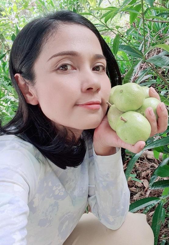 Ho Ngoc Ha - Kim Ly hanh phuc ben ba con trong ngay nghi le-Hinh-13