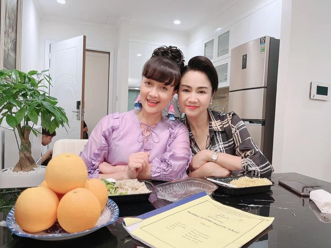 NSND Thu Ha chia tay vai Bach Cuc phim