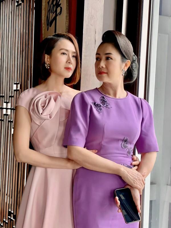 Hong Diem nhan gui loi yeu thuong toi NSND Thu Ha