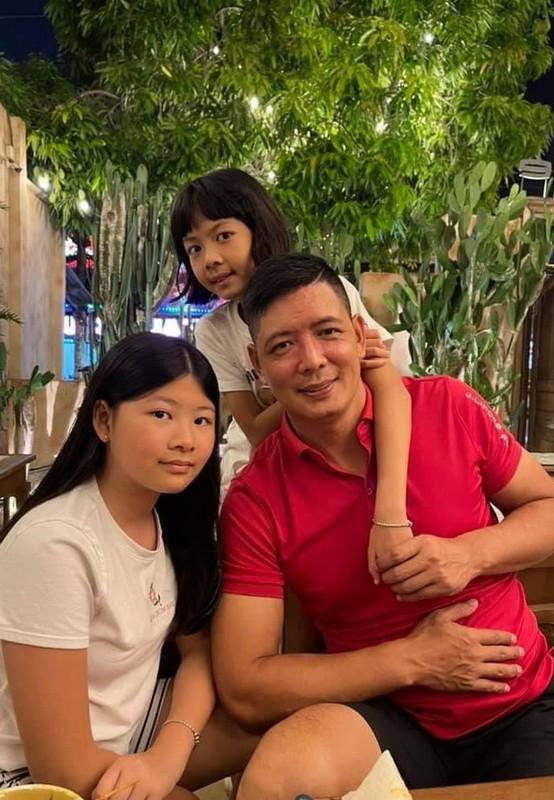 Phat ghen anh hanh phuc cua Chi Trung va ban gai kem 17 tuoi-Hinh-2