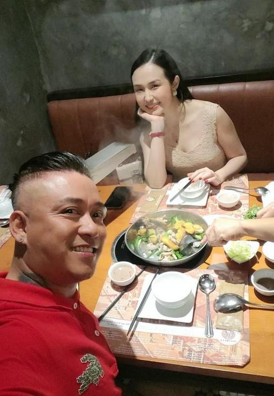 Phat ghen anh hanh phuc cua Chi Trung va ban gai kem 17 tuoi-Hinh-5