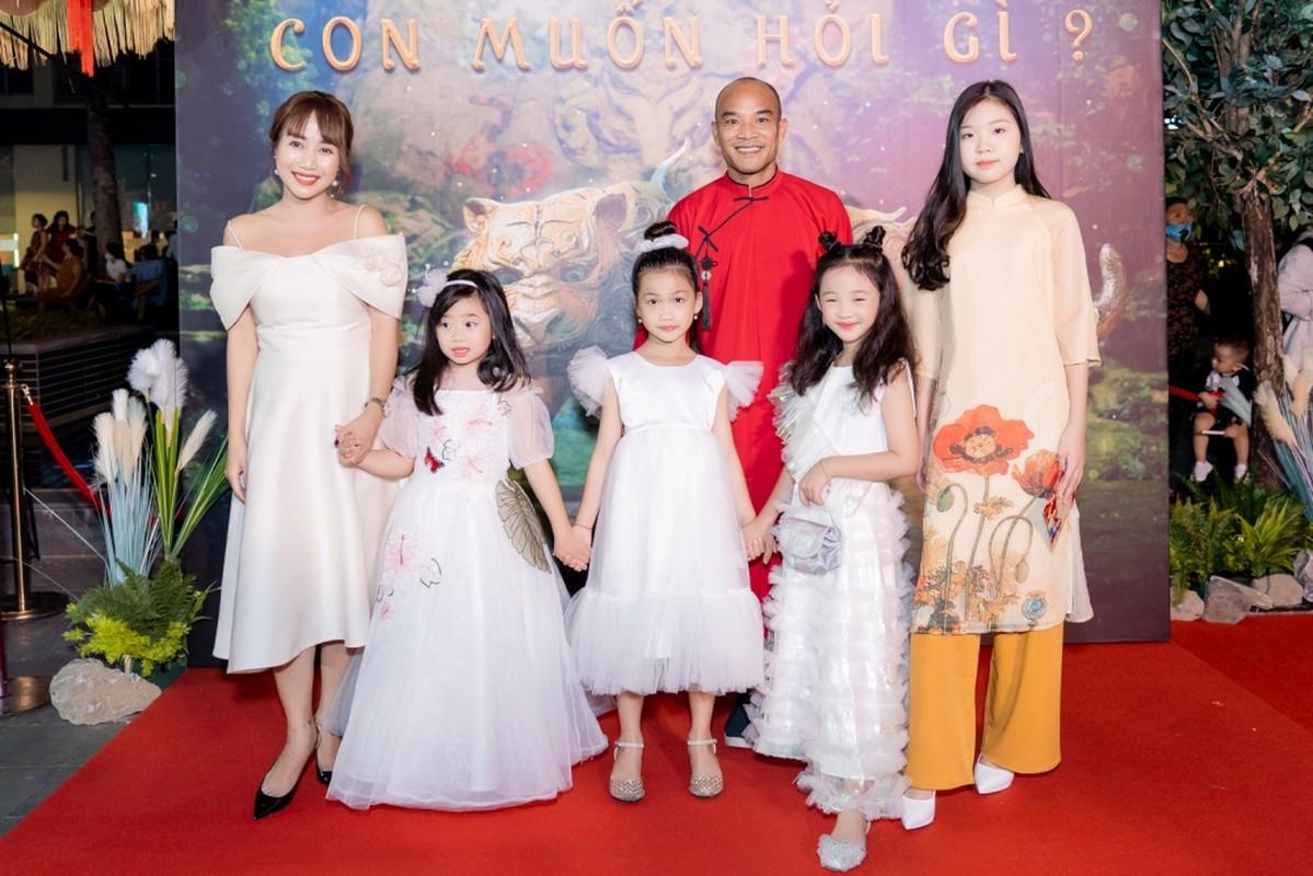 Ban trai tin don den ung ho Ngo Thanh Van ra mat phim moi-Hinh-2