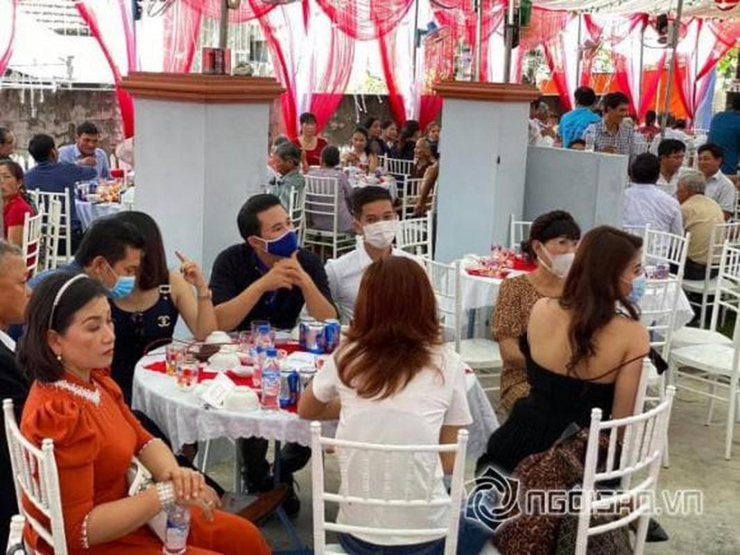 Ho Bich Tram deo vang triu co trong le cuoi o Quang Ngai-Hinh-10