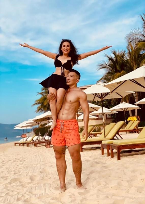 Ca si Phi Nhung tu tin mac bikini o tuoi U50-Hinh-3