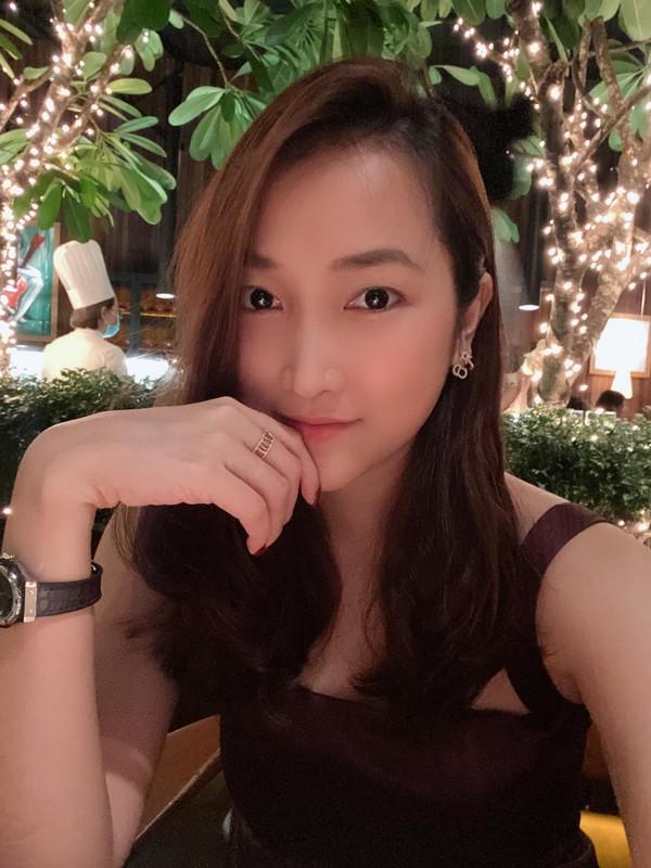 Vo kem 17 tuoi cua Lam Truong ngay cang xinh dep, quyen ru