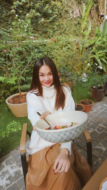 NSND Thu Ha xinh dep tre trung du hon MC Thuy Van 17 tuoi-Hinh-5