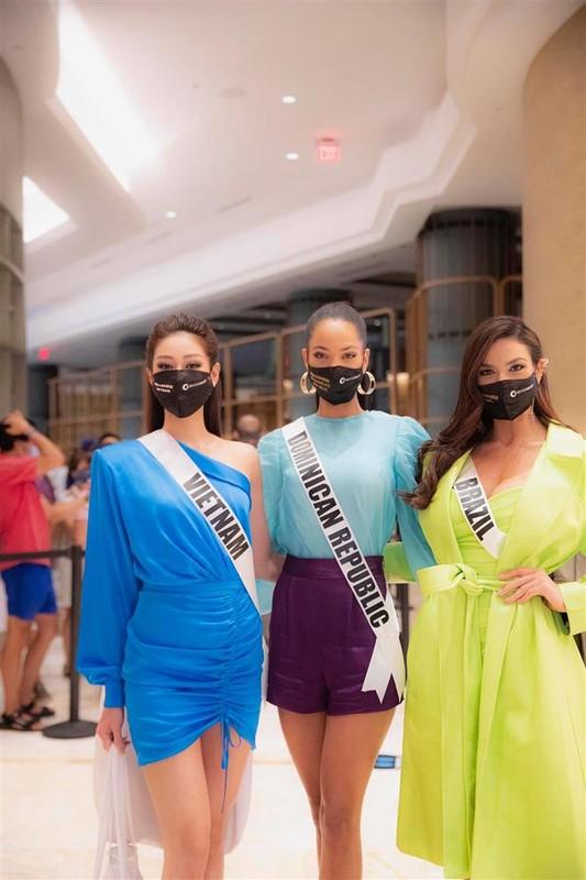 Chu nha Miss Universe 2020 an mac loi thoi, di thi nhu di cho-Hinh-7