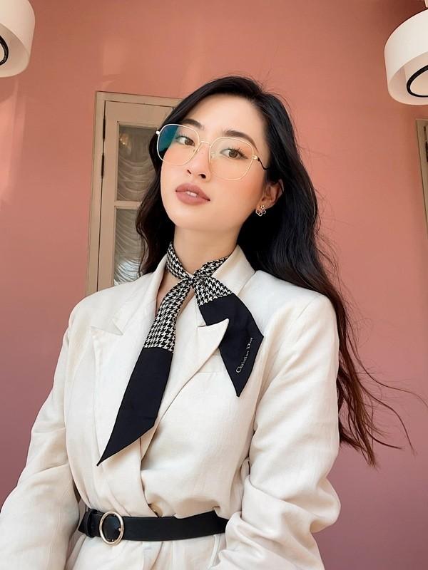 Luong Thuy Linh chan dai 1m22, dep hut hon o tuoi 21-Hinh-14