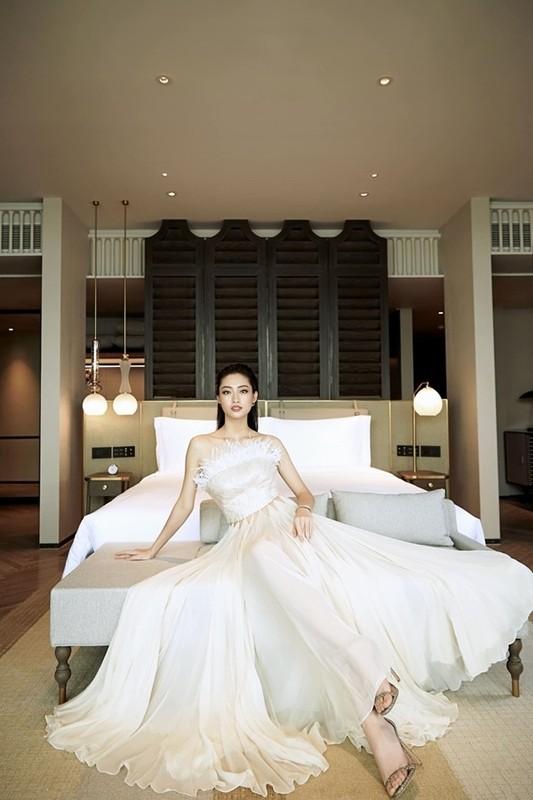 Luong Thuy Linh chan dai 1m22, dep hut hon o tuoi 21-Hinh-5