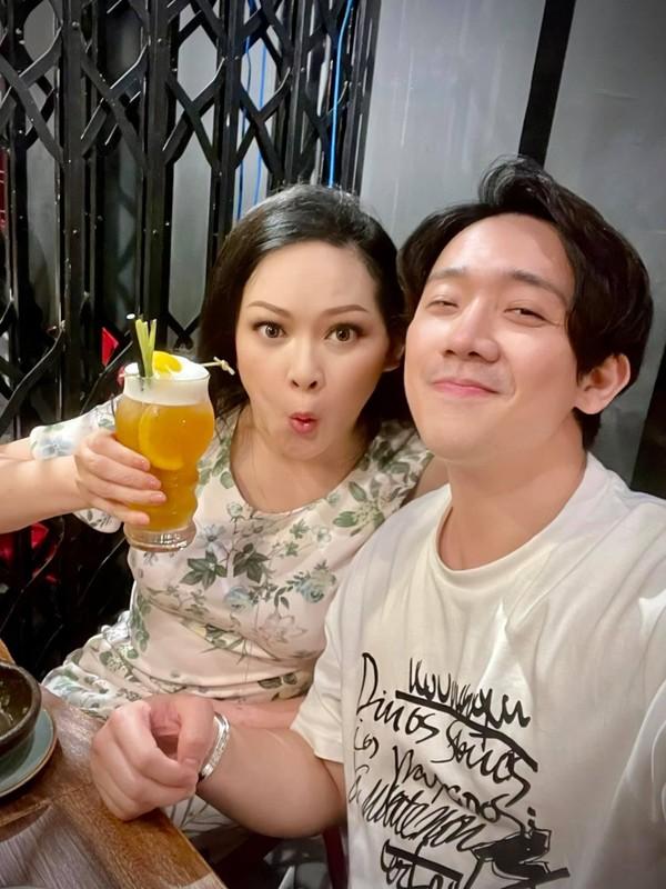 Nhu Quynh bieu cam hai huoc khi tao dang cung Tran Thanh