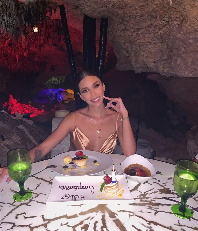 Loat hinh xam tren co the nong bong cua tan A hau Miss Universe-Hinh-6