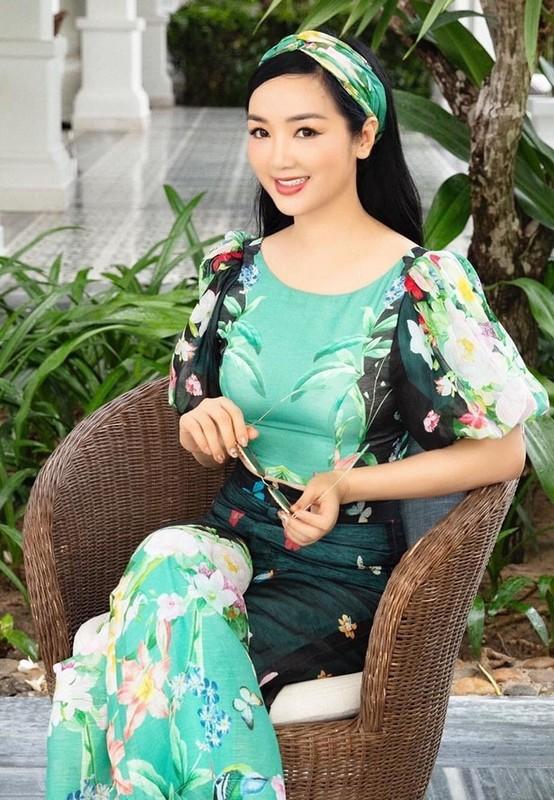 Thanh Lam hanh phuc binh yen ben ban trai bac si-Hinh-11