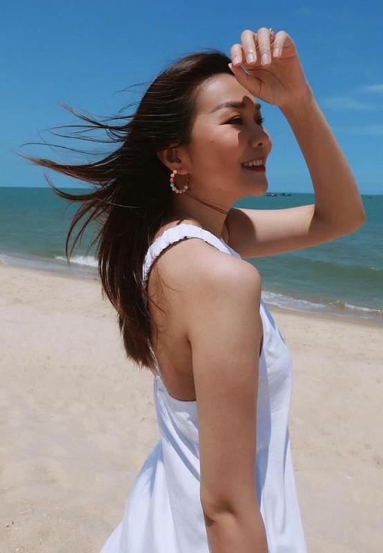 Diva Hong Nhung giu voc dang thon gon o tuoi 51-Hinh-4