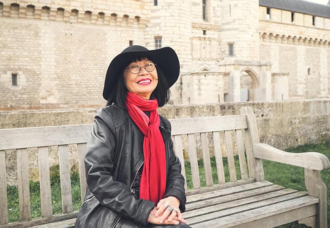 Diva Hong Nhung giu voc dang thon gon o tuoi 51-Hinh-8