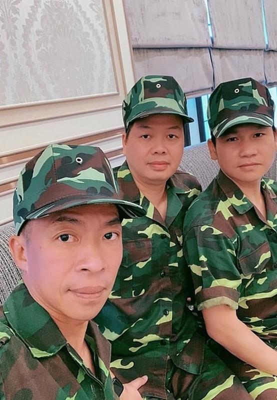 Hai con gai MC Quyen Linh xinh dep, cao vuot bo me-Hinh-3