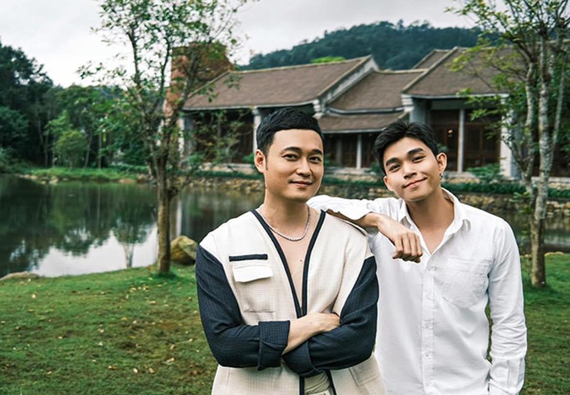 Hai con gai MC Quyen Linh xinh dep, cao vuot bo me-Hinh-5