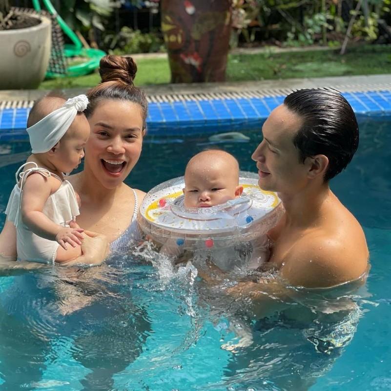 Gia dinh Ho Ngoc Ha di boi: 3 net dep khong bang 1 net hai