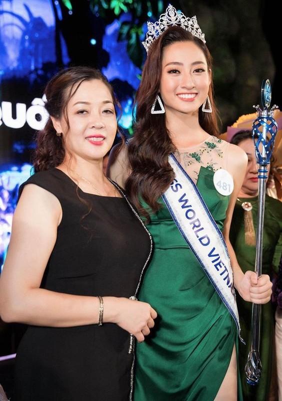 Me de Hoa hau Luong Thuy Linh: Nhan sac va dia vi dang ne-Hinh-2