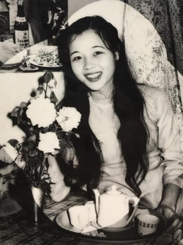 Me de Hoa hau Luong Thuy Linh: Nhan sac va dia vi dang ne-Hinh-3