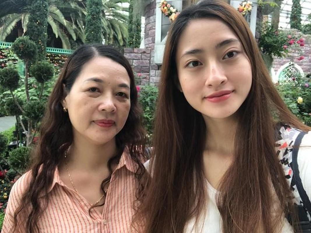 Me de Hoa hau Luong Thuy Linh: Nhan sac va dia vi dang ne-Hinh-4