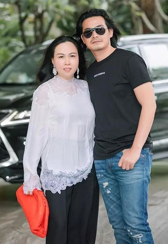 Quach Ngoc Ngoan - Phuong Chanel van chung nha sau ly hon?-Hinh-3