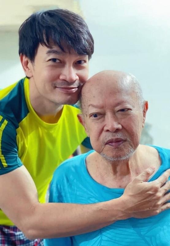 Hong Van ben ong xa Le Tuan Anh va 2 con sau on ao-Hinh-13