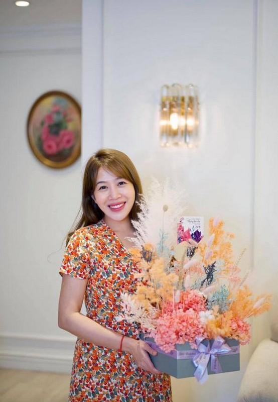 Hong Van ben ong xa Le Tuan Anh va 2 con sau on ao-Hinh-3