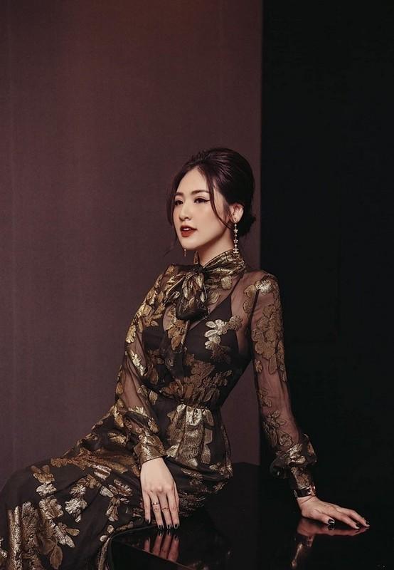 Hong Van ben ong xa Le Tuan Anh va 2 con sau on ao-Hinh-6